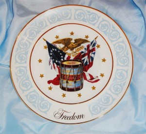 Avon Exclustive Wedgewood China Freedom Plate